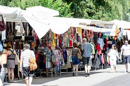 Weekly Market (clothing)