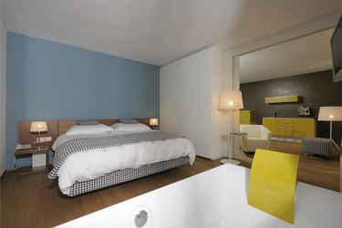 Studio Suite with Outdoorwhirlpool, balcony+terrace / sauna+indoor pool